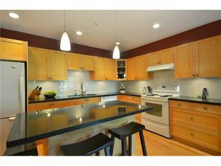 "Photo 4: 796 W 15TH Avenue in Vancouver: Fairview VW Townhouse for sale in ""SIXTEEN WILLOWS"" (Vancouver West)  : MLS®# V894802"