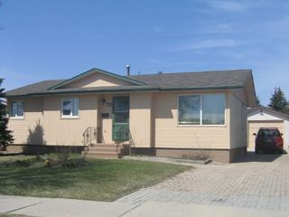Main Photo: 70 Herron Rd.: Residential for sale (Maples)  : MLS®# 2807401