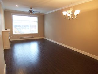 Photo 6: 104 15399 Guildford Drive in Surrey: Guildford Townhouse for sale : MLS®# N/A