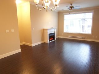 Photo 7: 104 15399 Guildford Drive in Surrey: Guildford Townhouse for sale : MLS®# N/A