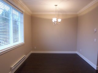 Photo 5: 104 15399 Guildford Drive in Surrey: Guildford Townhouse for sale : MLS®# N/A