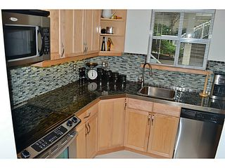 """Photo 10: 105 1333 W 7TH Avenue in Vancouver: Fairview VW Condo for sale in """"WINGATE ENCORE"""" (Vancouver West)  : MLS®# V1047981"""