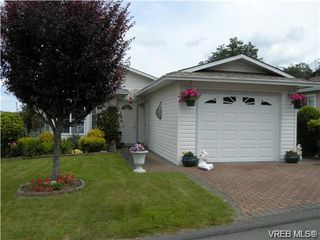Photo 1: 44 Lekwammen Dr in VICTORIA: VR Glentana Manufactured Home for sale (View Royal)  : MLS®# 667054