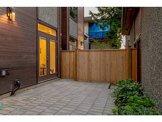 """Photo 2: 39 E 13TH Avenue in Vancouver: Mount Pleasant VE Townhouse for sale in """"Main St Area"""" (Vancouver East)  : MLS®# V1071218"""