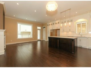 Photo 3: 5976 131ST Street in Surrey: Panorama Ridge House for sale : MLS®# F1426027