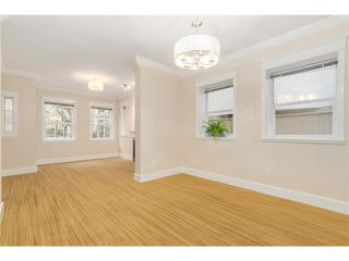 Photo 5: 1538 E 10TH Avenue in Vancouver: Grandview VE House 1/2 Duplex for sale (Vancouver East)  : MLS®# V1092394