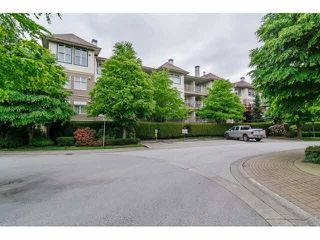 "Photo 2: 111 15210 GUILDFORD Drive in Surrey: Guildford Condo for sale in ""Boulevard Club"" (North Surrey)  : MLS®# F1440623"