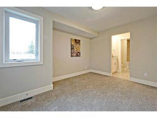 Photo 33: 710 19 Avenue NW in Calgary: Mount Pleasant House for sale : MLS®# C4014701