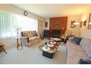 Photo 3: 1905 WINSLOW Avenue in Coquitlam: Central Coquitlam House for sale : MLS®# V1128982