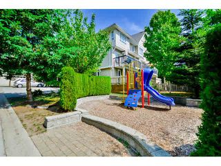 "Photo 2: 9 20159 68 Avenue in Langley: Willoughby Heights Townhouse for sale in ""VANTAGE"" : MLS®# F1449062"