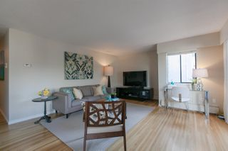 "Photo 2: 210 2125 W 2ND Avenue in Vancouver: Kitsilano Condo for sale in ""Sunny Lodge"" (Vancouver West)  : MLS®# R2000365"
