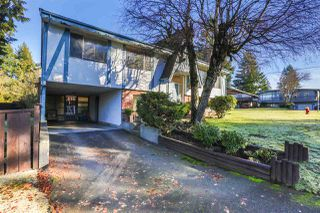 Photo 1: 985 SMITH Avenue in Coquitlam: Central Coquitlam House for sale : MLS®# R2033159