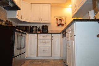 "Photo 6: 206 1011 FOURTH Avenue in New Westminster: Uptown NW Condo for sale in ""CRESTWELL MANOR"" : MLS®# R2074662"