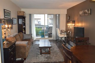 """Photo 3: 206 1011 FOURTH Avenue in New Westminster: Uptown NW Condo for sale in """"CRESTWELL MANOR"""" : MLS®# R2074662"""