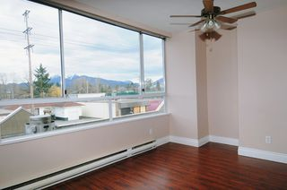"Photo 7: 203 11980 222 Street in Maple Ridge: West Central Condo for sale in ""GORDON TOWERS"" : MLS®# R2080570"