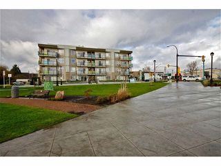 "Photo 20: 104 20460 DOUGLAS Crescent in Langley: Langley City Condo for sale in ""Serenade"" : MLS®# R2084656"