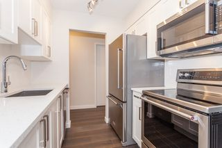"Photo 2: 216 265 E 15TH Avenue in Vancouver: Mount Pleasant VE Condo for sale in ""The Woodglen"" (Vancouver East)  : MLS®# R2102685"