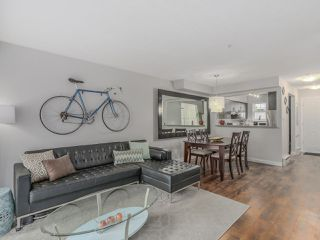 """Photo 1: 66 620 QUEENS Avenue in New Westminster: Uptown NW Townhouse for sale in """"ROYAL CITY TERRACE"""" : MLS®# R2105755"""