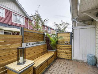 """Photo 3: 66 620 QUEENS Avenue in New Westminster: Uptown NW Townhouse for sale in """"ROYAL CITY TERRACE"""" : MLS®# R2105755"""
