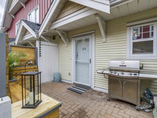 """Photo 2: 66 620 QUEENS Avenue in New Westminster: Uptown NW Townhouse for sale in """"ROYAL CITY TERRACE"""" : MLS®# R2105755"""