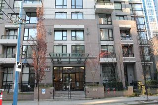 "Photo 1: 2109 1295 RICHARDS Street in Vancouver: Downtown VW Condo for sale in ""OSCAR"" (Vancouver West)  : MLS®# R2127740"