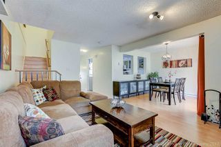 """Photo 2: 3425 LYNMOOR Place in Vancouver: Champlain Heights Townhouse for sale in """"MOORPARK"""" (Vancouver East)  : MLS®# R2152977"""