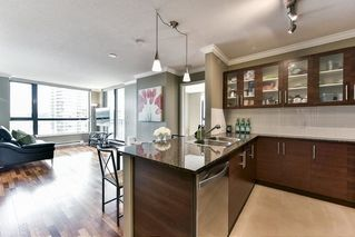 "Photo 8: 1107 813 AGNES Street in New Westminster: Downtown NW Condo for sale in ""THE NEWS"" : MLS®# R2154103"