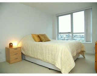 "Photo 6: 1495 RICHARDS Street in Vancouver: False Creek North Condo for sale in ""AZURA 2"" (Vancouver West)  : MLS®# V627836"