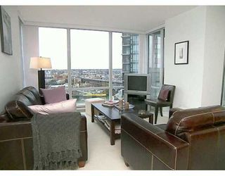 "Photo 3: 1495 RICHARDS Street in Vancouver: False Creek North Condo for sale in ""AZURA 2"" (Vancouver West)  : MLS®# V627836"