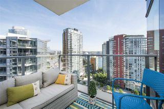 """Photo 11: 1908 68 SMITHE Street in Vancouver: Downtown VW Condo for sale in """"1 PACIFIC"""" (Vancouver West)  : MLS®# R2216431"""