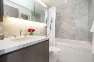 """Photo 16: 1908 68 SMITHE Street in Vancouver: Downtown VW Condo for sale in """"1 PACIFIC"""" (Vancouver West)  : MLS®# R2216431"""