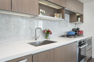 """Photo 10: 1908 68 SMITHE Street in Vancouver: Downtown VW Condo for sale in """"1 PACIFIC"""" (Vancouver West)  : MLS®# R2216431"""