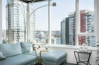 """Photo 7: 1908 68 SMITHE Street in Vancouver: Downtown VW Condo for sale in """"1 PACIFIC"""" (Vancouver West)  : MLS®# R2216431"""