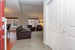 Photo 2: 10 Cahilty Lane in VICTORIA: VR Six Mile Single Family Detached for sale (View Royal)  : MLS®# 385323