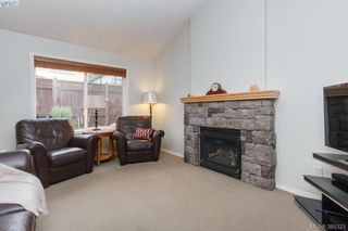 Photo 5: 10 Cahilty Lane in VICTORIA: VR Six Mile Single Family Detached for sale (View Royal)  : MLS®# 385323