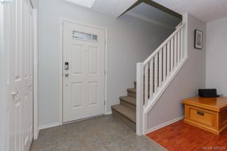 Photo 3: 10 Cahilty Lane in VICTORIA: VR Six Mile Single Family Detached for sale (View Royal)  : MLS®# 385323