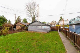 Photo 19: 1057 E 13TH Avenue in Vancouver: Mount Pleasant VE House for sale (Vancouver East)  : MLS®# R2234604