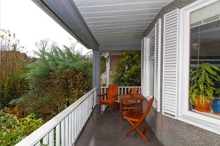 Photo 2: 1057 E 13TH Avenue in Vancouver: Mount Pleasant VE House for sale (Vancouver East)  : MLS®# R2234604