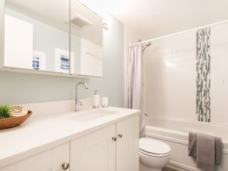 """Photo 17: 301 2190 W 7TH Avenue in Vancouver: Kitsilano Condo for sale in """"SUNSET WEST"""" (Vancouver West)  : MLS®# R2252526"""