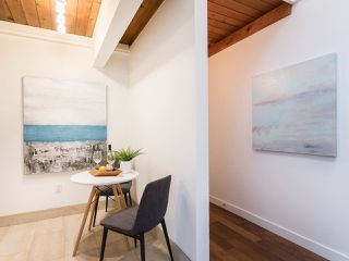 """Photo 8: 301 2190 W 7TH Avenue in Vancouver: Kitsilano Condo for sale in """"SUNSET WEST"""" (Vancouver West)  : MLS®# R2252526"""