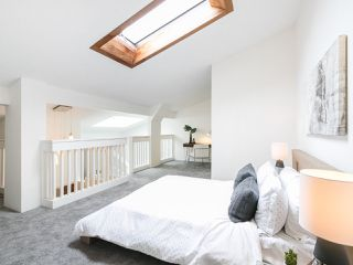 """Photo 11: 301 2190 W 7TH Avenue in Vancouver: Kitsilano Condo for sale in """"SUNSET WEST"""" (Vancouver West)  : MLS®# R2252526"""