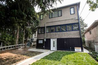 Photo 2: 1569 E 12TH Avenue in Vancouver: Grandview VE House for sale (Vancouver East)  : MLS®# R2257459