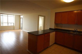 Photo 5: 615 3880 Duke Of York Boulevard in Mississauga: City Centre Condo for lease : MLS®# W4125854