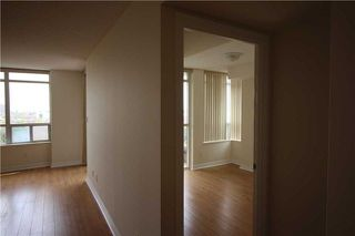 Photo 11: 615 3880 Duke Of York Boulevard in Mississauga: City Centre Condo for lease : MLS®# W4125854