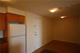 Photo 3: 615 3880 Duke Of York Boulevard in Mississauga: City Centre Condo for lease : MLS®# W4125854
