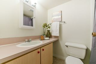 """Photo 10: 312 715 ROYAL Avenue in New Westminster: Uptown NW Condo for sale in """"VISTA ROYAL"""" : MLS®# R2270488"""