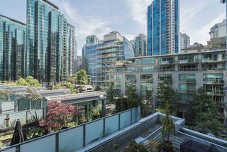 """Photo 15: 504 590 NICOLA Street in Vancouver: Coal Harbour Condo for sale in """"CASCINA"""" (Vancouver West)  : MLS®# R2278510"""