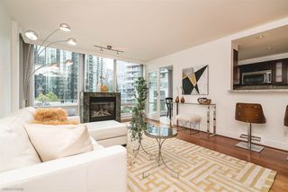 """Photo 3: 504 590 NICOLA Street in Vancouver: Coal Harbour Condo for sale in """"CASCINA"""" (Vancouver West)  : MLS®# R2278510"""
