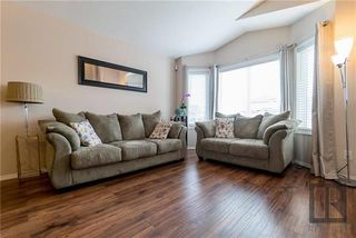 Photo 3: 153 Southview Crescent in Winnipeg: South Pointe Residential for sale (1R)  : MLS®# 1821366