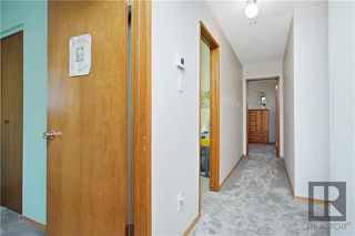 Photo 5: 10 Bonnydoon Place in Winnipeg: Valley Gardens Residential for sale (3E)  : MLS®# 1822779